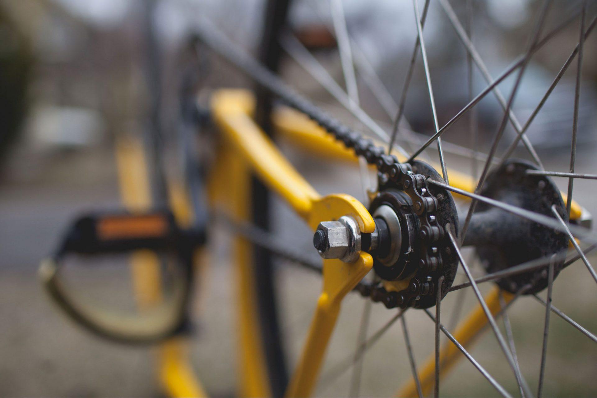 Fahrradspeichen in Großaufnahme